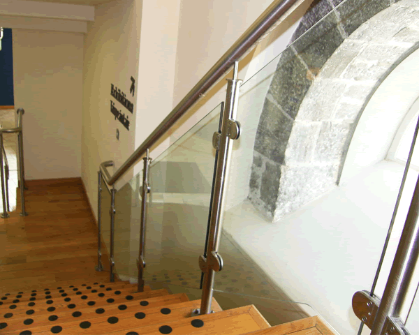 Stairway Glass Gallery | View our stairway glass gallery